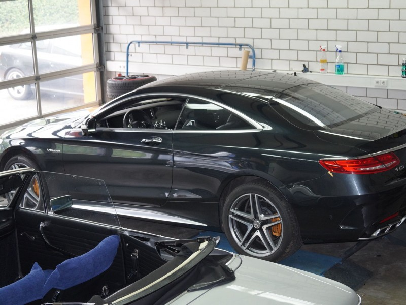 AMG S-Coupe in Werkstatt