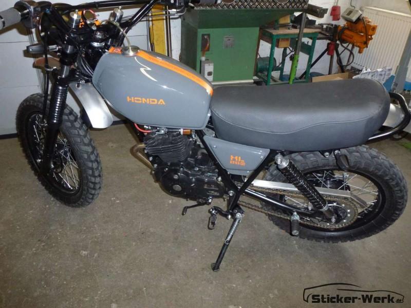 Folierung Honda Motorrad glänzend