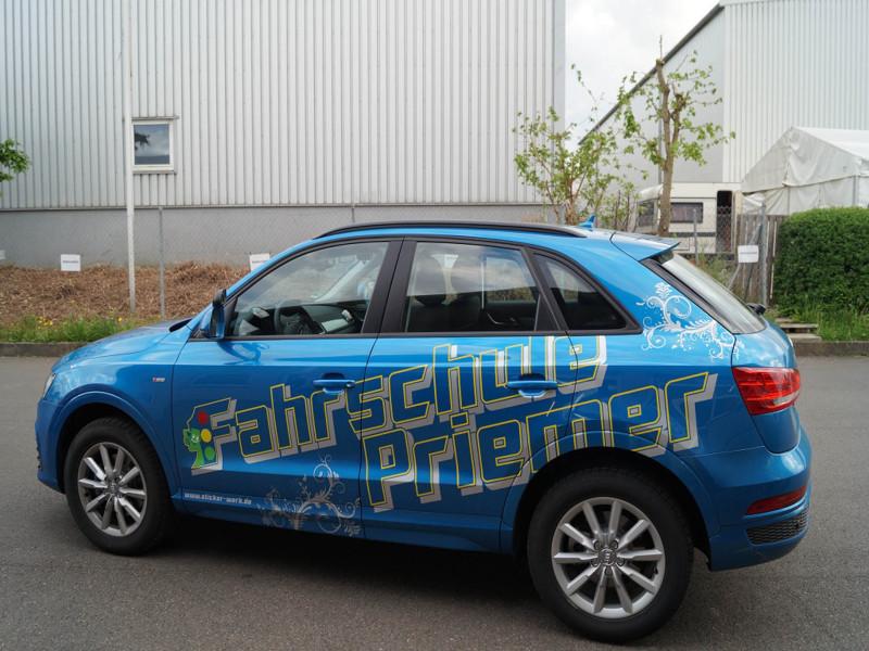 Beschriftung Audi Q3